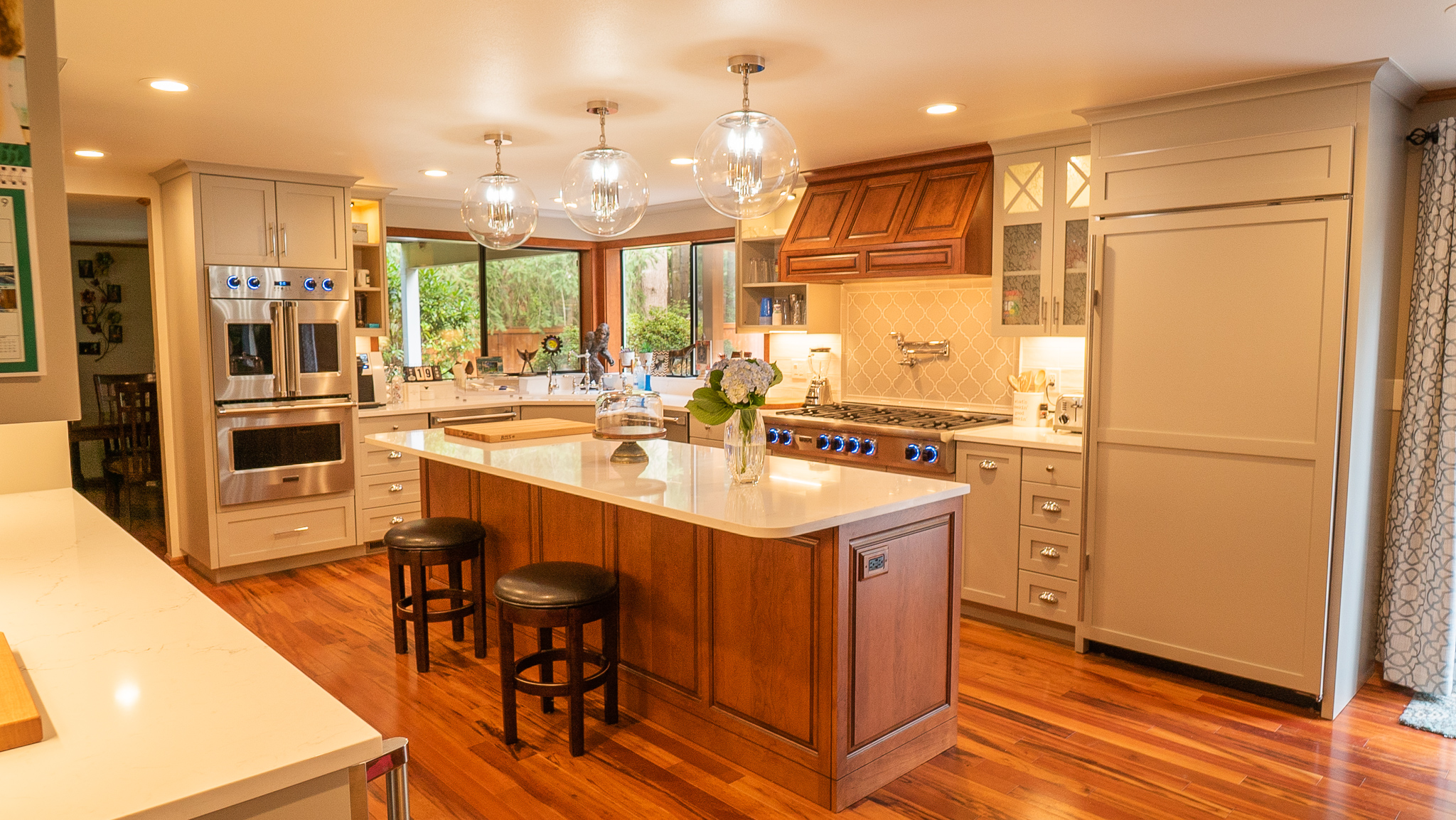 Choose Professional Kitchen and Bathroom Remodeling services based out of Ravensdale, Covington, Black Diamond, Maple Valley & Kent, WA.